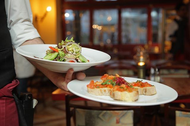 Restaurant_Kellner_Foto: Pixabay