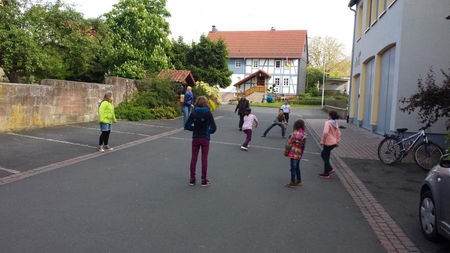 Im Rohrbacher Kids-Club wird draußen gespielt.