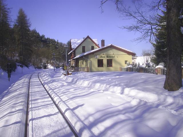 Winterlicher Bahnhof