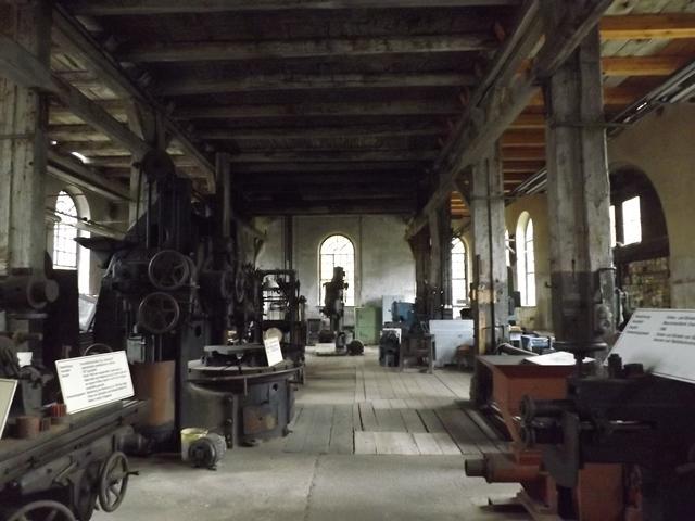 Erdgeschoss mit Originalmaschinen