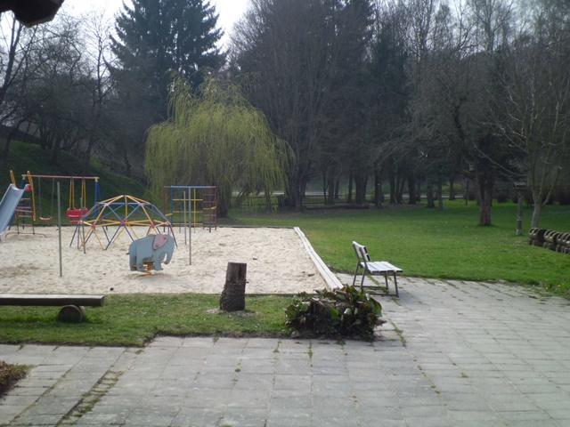 "Kita !Apfelbäumchen"" - Spielplatz"