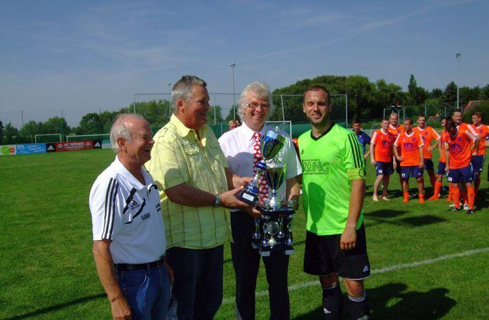 Auszeichnung  des Finalisten Supercup KFV Burgenland: SV Blau- Weiß Bad Kösen