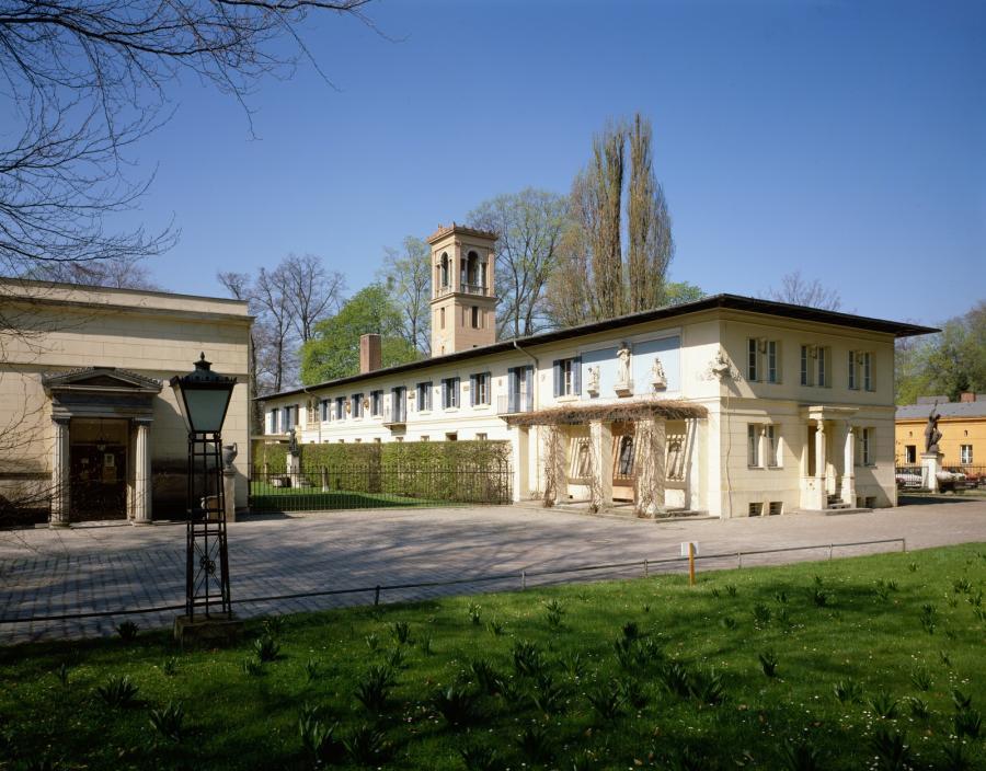 Kavalierflügel Schloss Glienicke, 1987