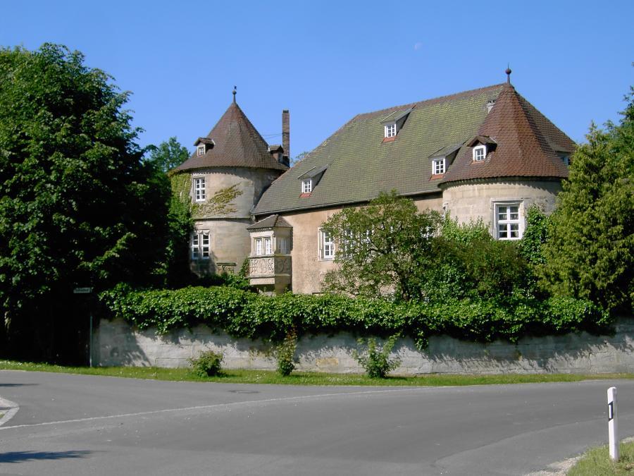 Schloss Schreez im Sommer