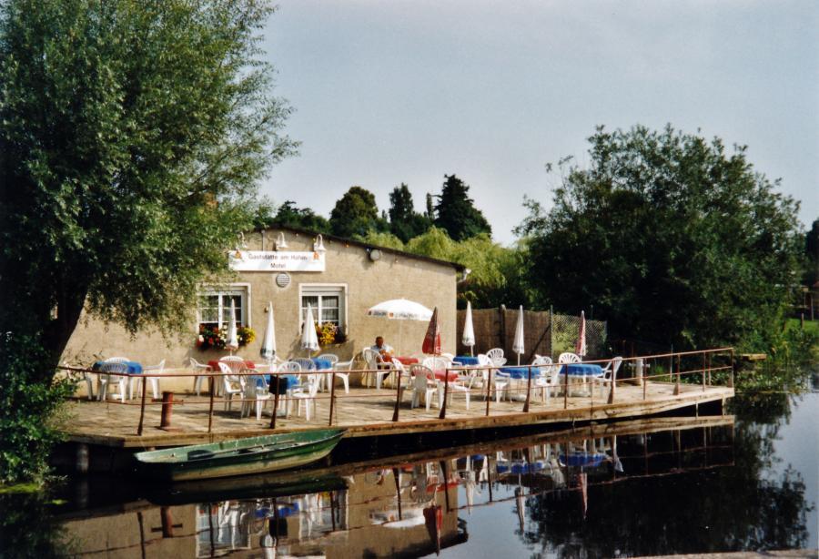 Gaststätte am Hafen, 2002