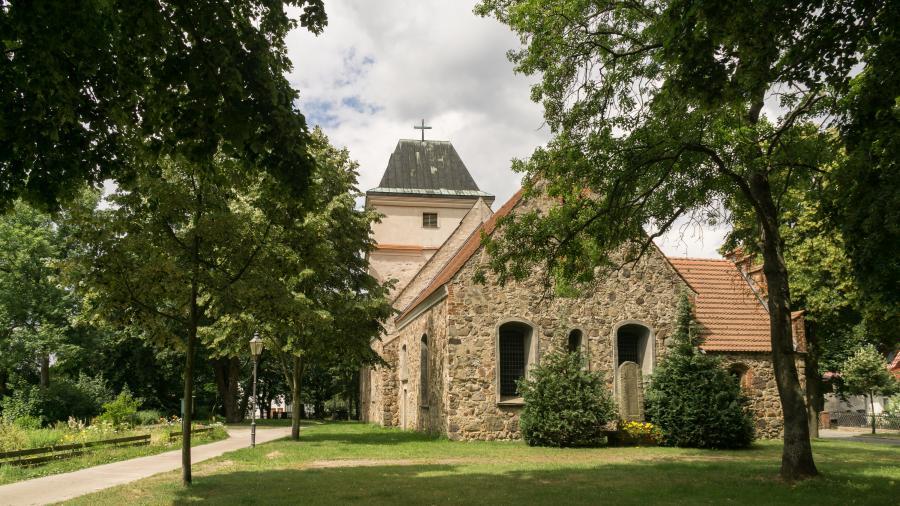 Schönerlinde Kirche_Foto: L Weigelt