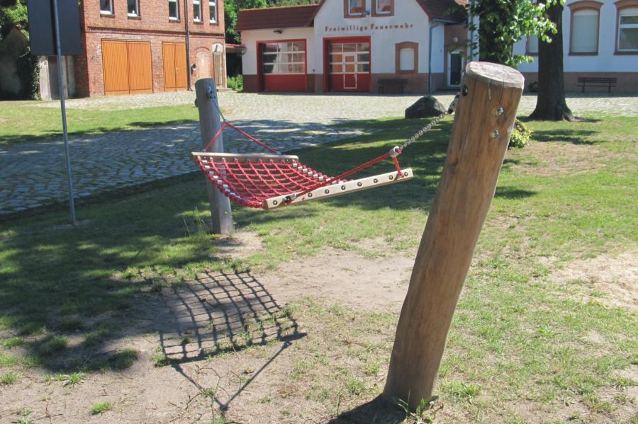 Schönerlinde Spielplatz Am Gemeindezentrum Hängematte, Foto: Gemeinde Wandlitz