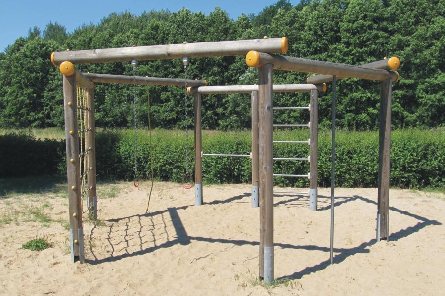 Schönwalde Spielplatz Am Eichengrund Klettergerüst, Foto: Gemeinde Wandlitz