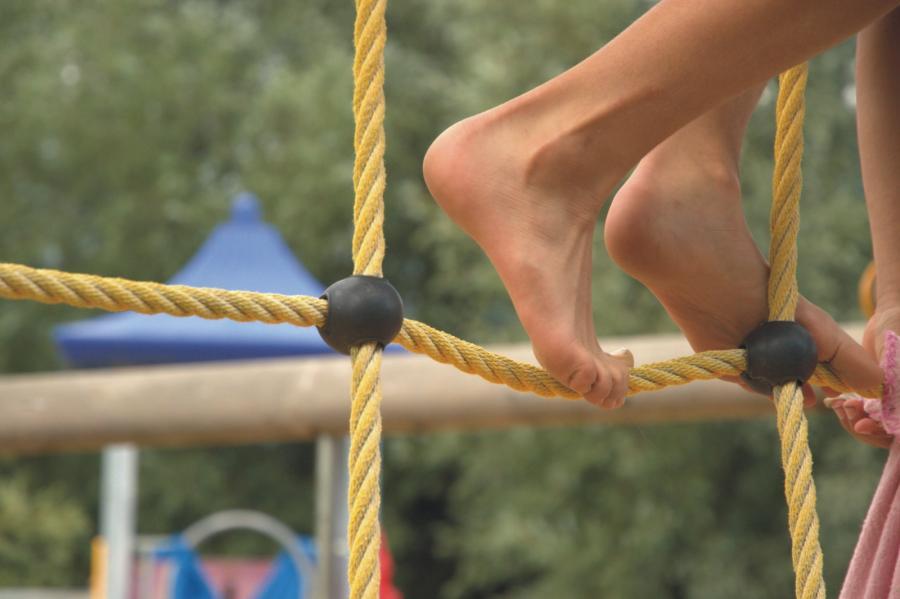 Schönwalde Spielplatz Am Eichengrund klettern, Foto: Gemeinde Wandlitz