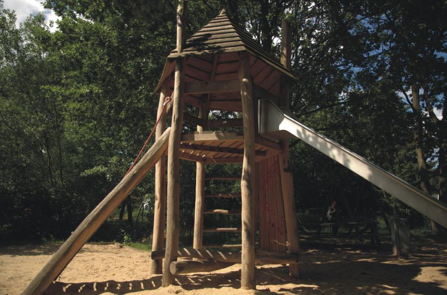 Schönwalde Spielplatz Leinewebersiedlung Rutschenturm, Foto: Gemeinde Wandlitz