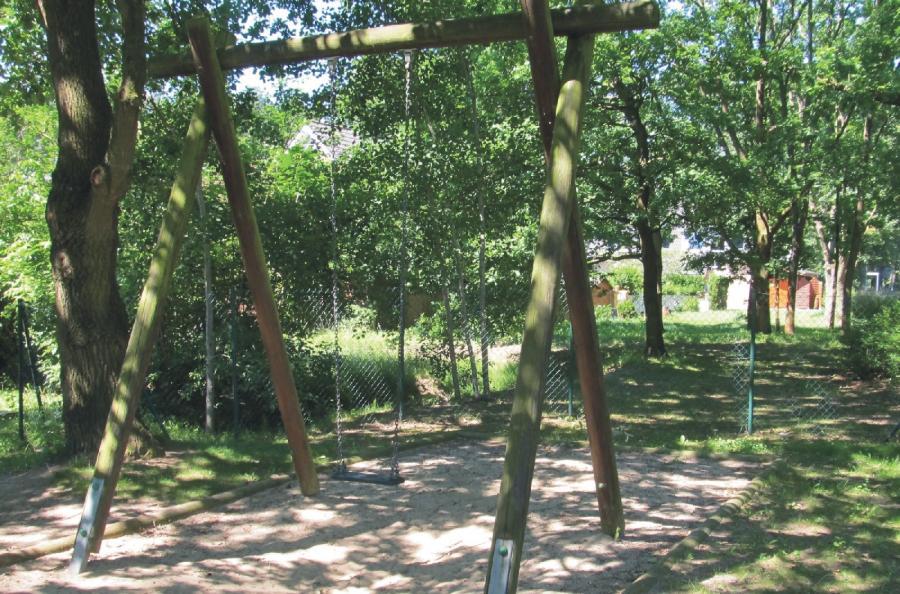 Schönwalde Spielplatz Leinewebersiedlung Schaukel, Foto: Gemeinde Wandlitz