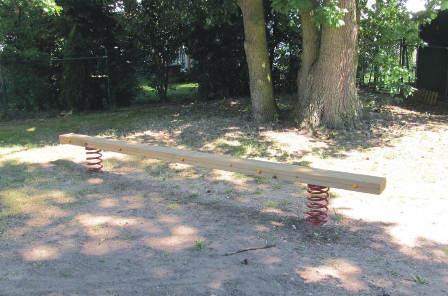 Schönwalde Spielplatz Tuchmacherweg Federbalken, Foto: Gemeinde  Wandlitz