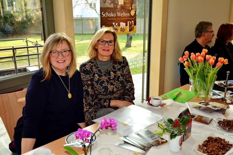 Stand: Renate Gottzein und Gudrun Hillmann