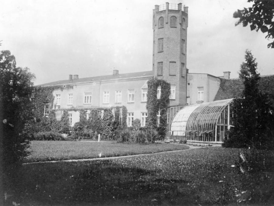 Das Gutshaus in Schorrentin (um 1920) (2)