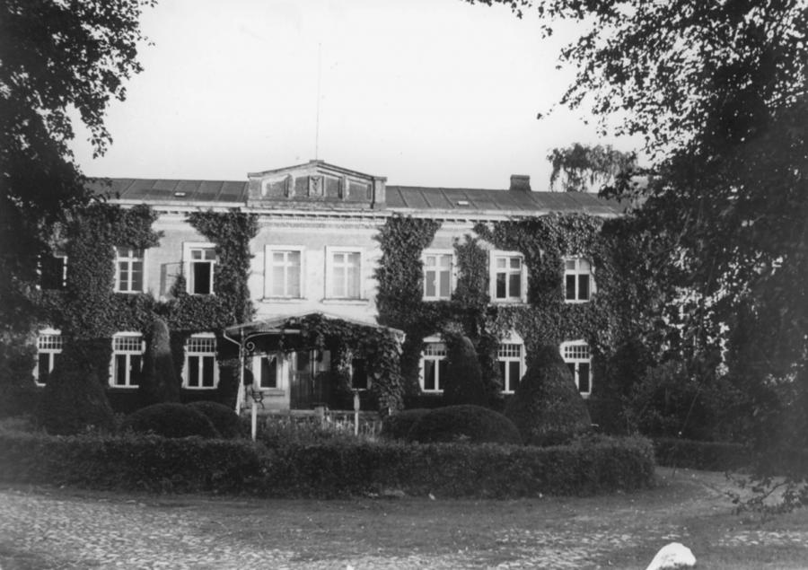 Das Gutshaus in Schorrentin (vor 1945) (2)