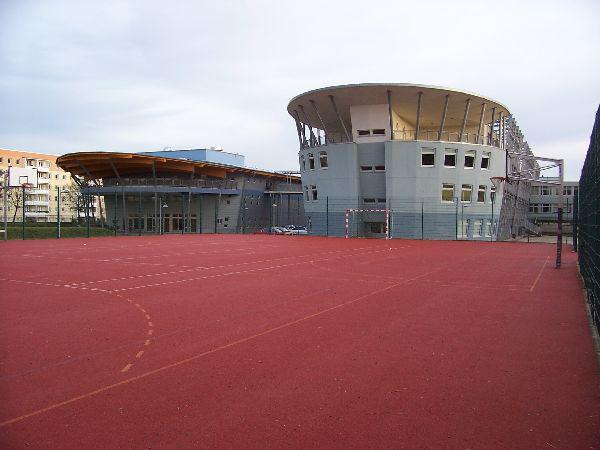 Schule Turnhalle