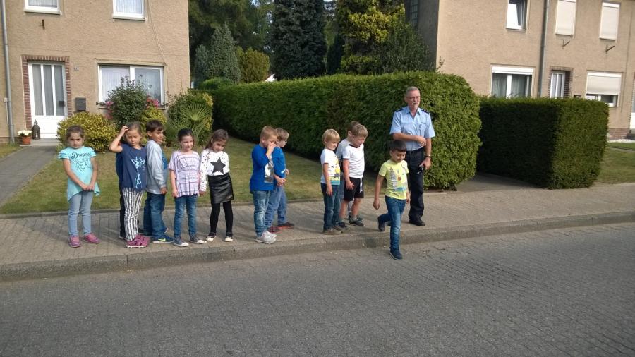 Schulweg 1