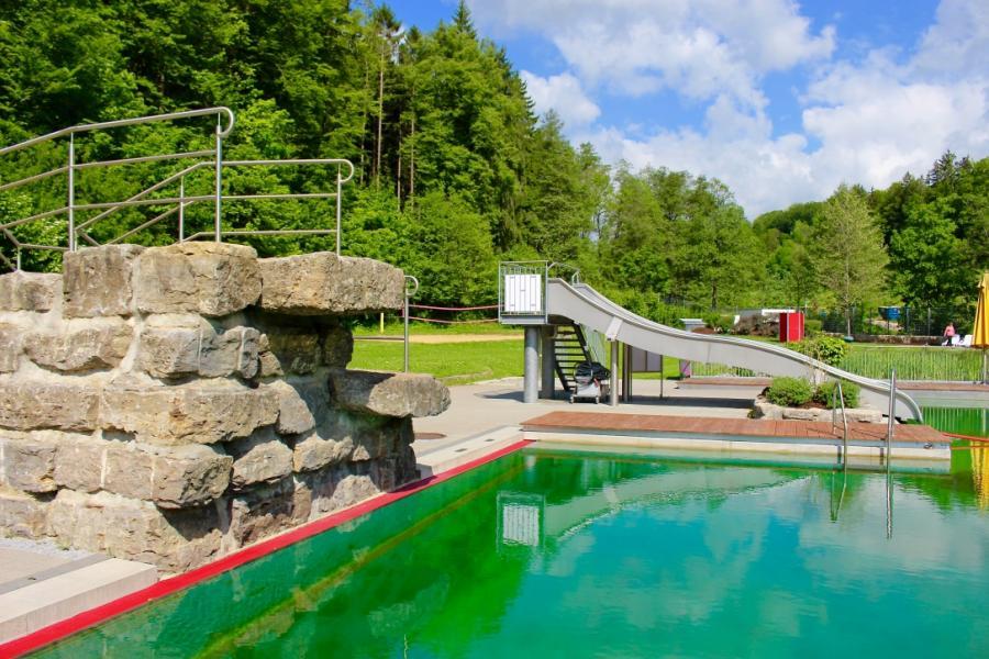 Naturerlebnisbad Sprungfelsen und Rutsche