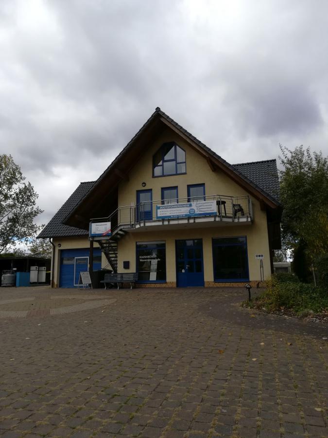Servicegebäude