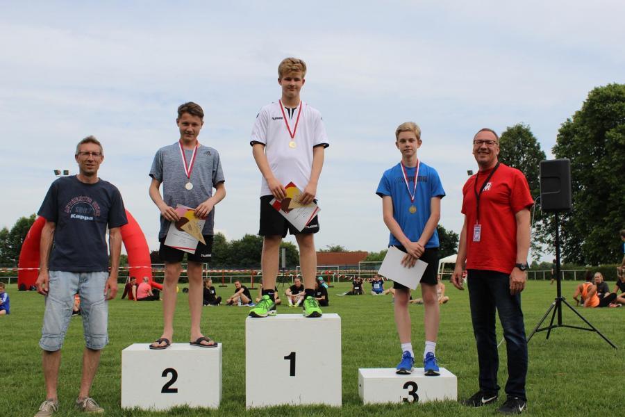 Siegerehrung des 1.000m VGH-Vertretung Jens Paul-Laufs (Jungen, U18)