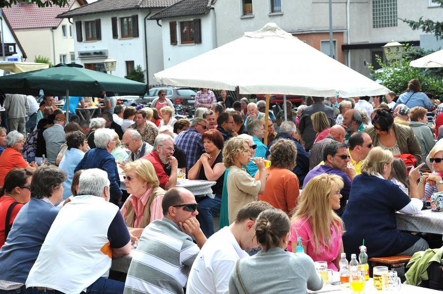 Live im Hof: Musikalischer Pfingstmontag der SKV Nauheim