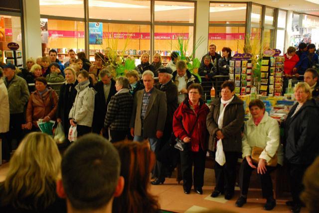 Shoppingnacht 2010: Andrang bei der Modenschau