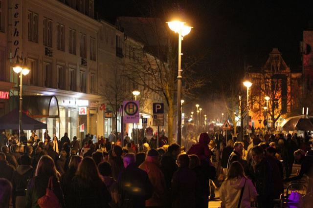 Shoppingnacht 2010: Volle Straßen