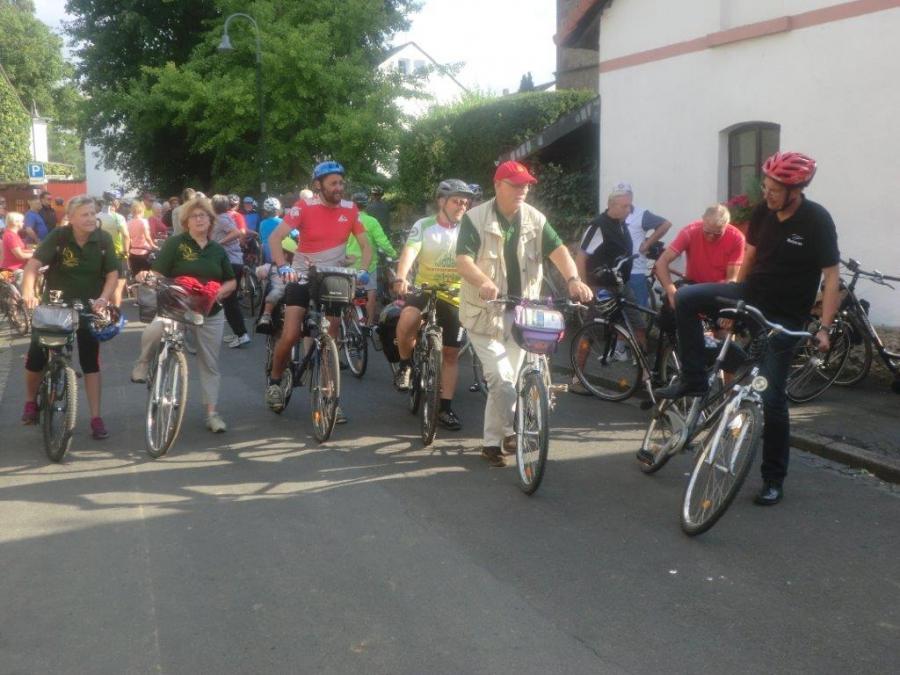 3.  Start zur letzten Etappe von Stammheim nach Florstadt