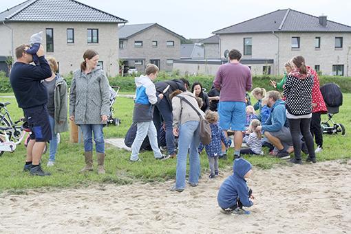 Spielplatzeinweihung an der dänischen Kirche 15