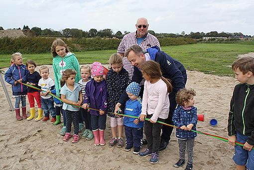 Spielplatzeinweihung an der dänischen Kirche 2