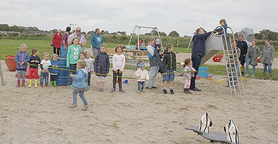 Spielplatzeinweihung an der dänischen Kirche 4