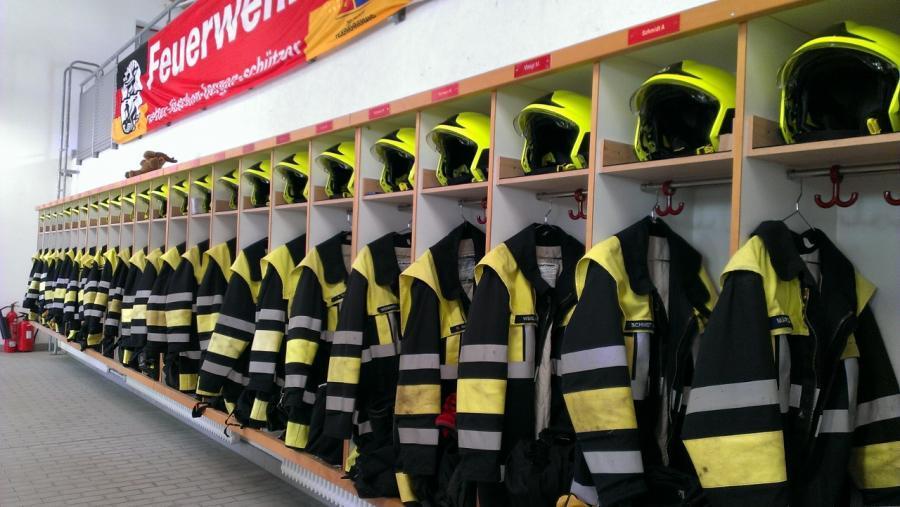 Spinde im Feuerwehrhaus