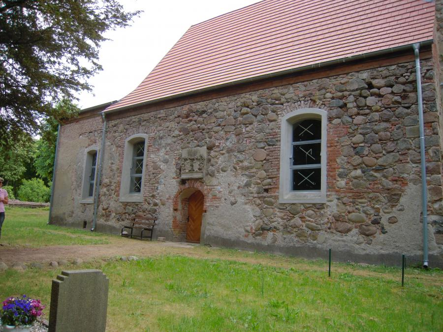 Kirche Stavenow