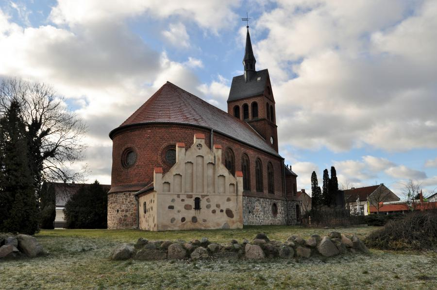 Dorfkirche Stolzenhagen