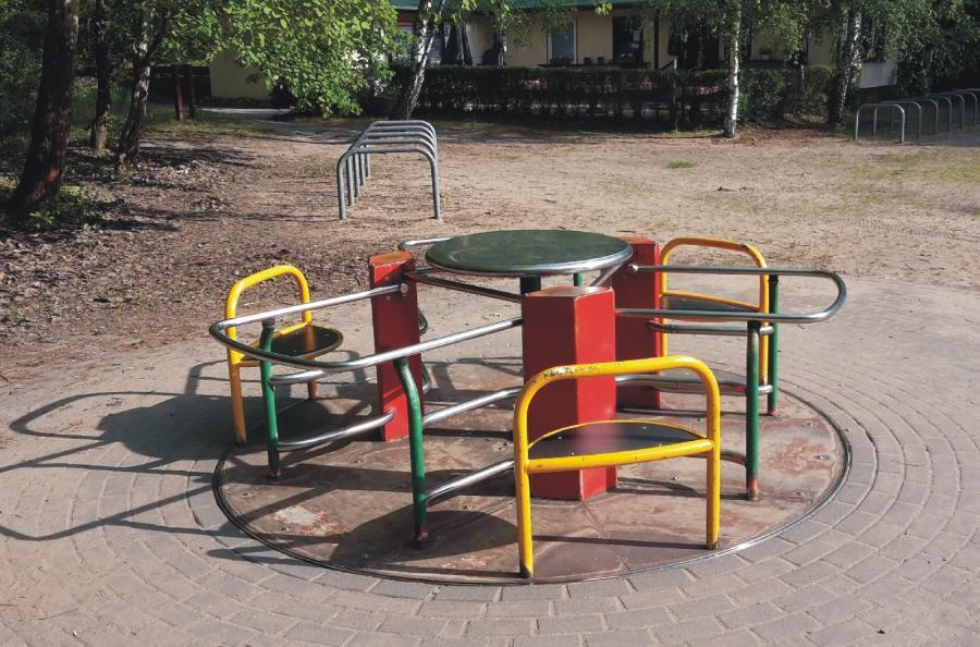 Stolzenhagen Spielplatz Am Steinberg Karussell, Foto: Gemeinde Wandlitz