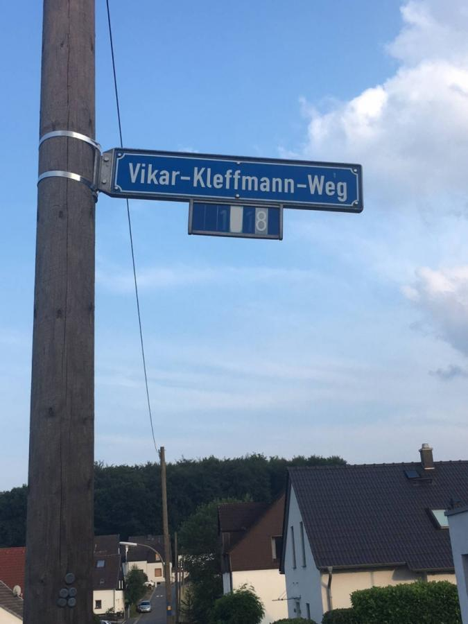 Schild Vikar-Kleffmann-Weg