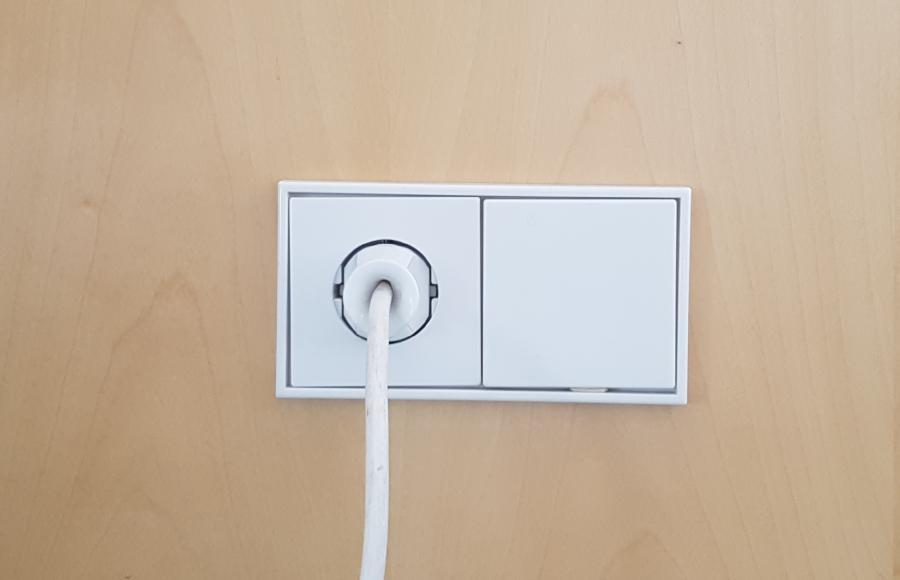 Strom aus der Steckdose