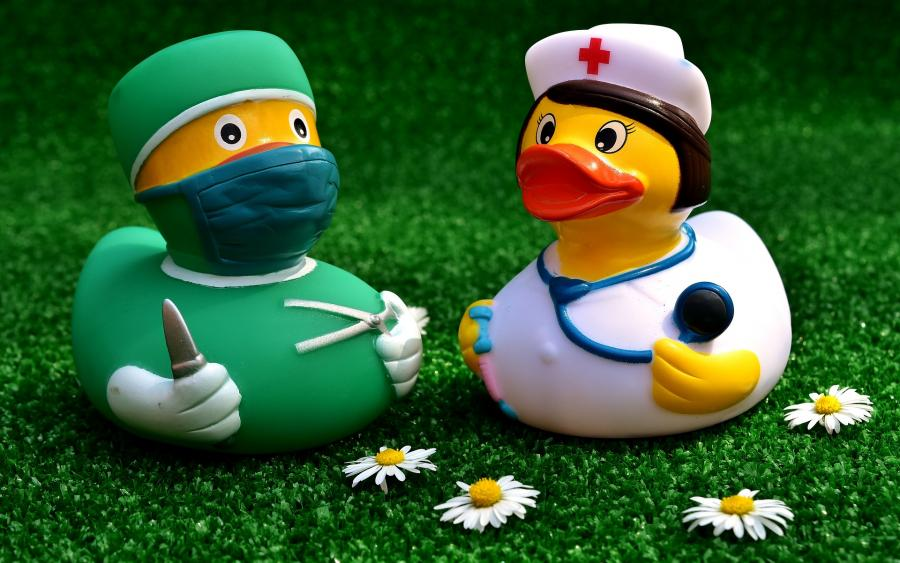 Arzt und Schwester