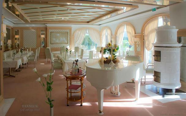 Restaurant mit Klavier