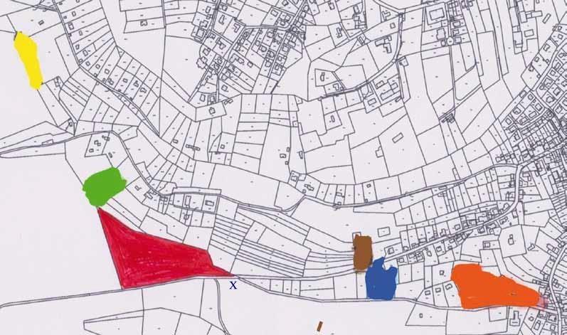 Flurkarte Hertlingshausen: Farblich hervorgehobene Grundstücke zeigen die 6 bekannten Steinbrüche Quelle: Karte VG Hettenleidelheim x= Standort der Tafel