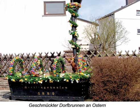 Geschmückter Dorfbrunnen an Ostern