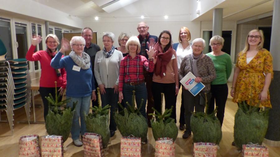 Gruppenbild Teilnehmer Tannenbäumchen-Aktion 2017