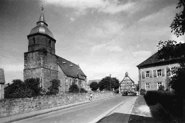 "Foto: ev. Kirche ""St. Georg"" in Immenhausen"