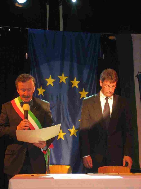 Foto: Begründung der offiziellen Städtepartnerschaft zwischen der italienischen Stadt Modigliana in der Region Emilia Romagna und Immenhausen