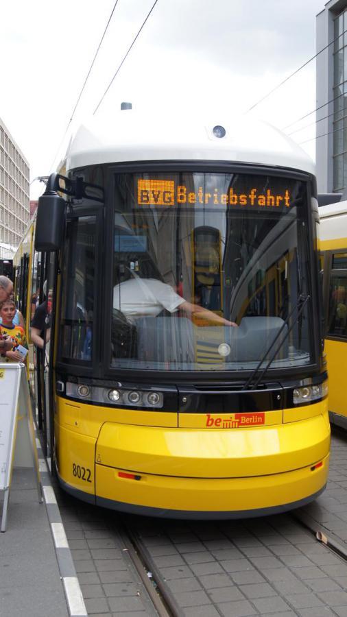 Tram_hoch