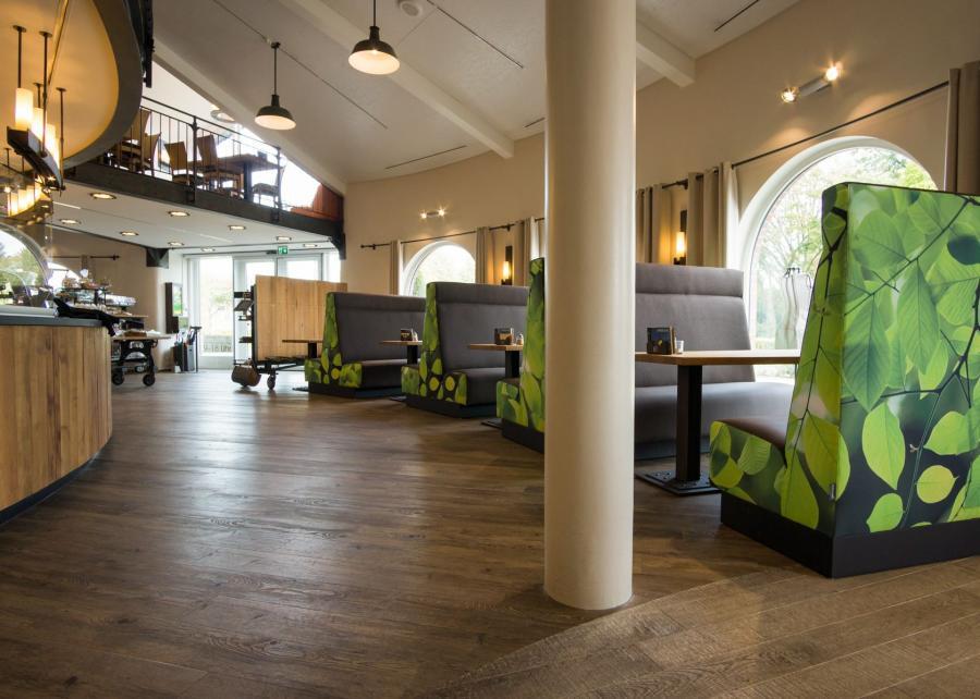 Trein - Sitzbänke, Doppelsofa oder Ecke in Kantinen und Gastronomie 2.016