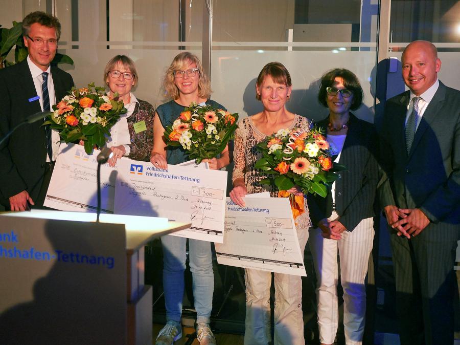 Das Siegerbild mit (von links) Jürgen Strohmeier, Ilona Schmidt, Franziska Schramm, Annette Hengge, Angelika Banzhaf und Dirk Bogen. Foto: Helmut Voith