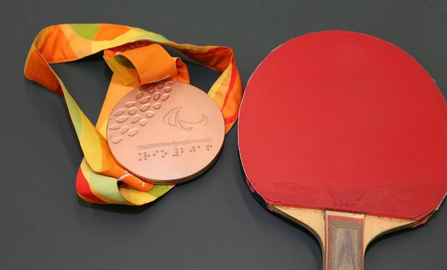 TT_Lok-ABG-1-Medaille-Bronze und Schläger