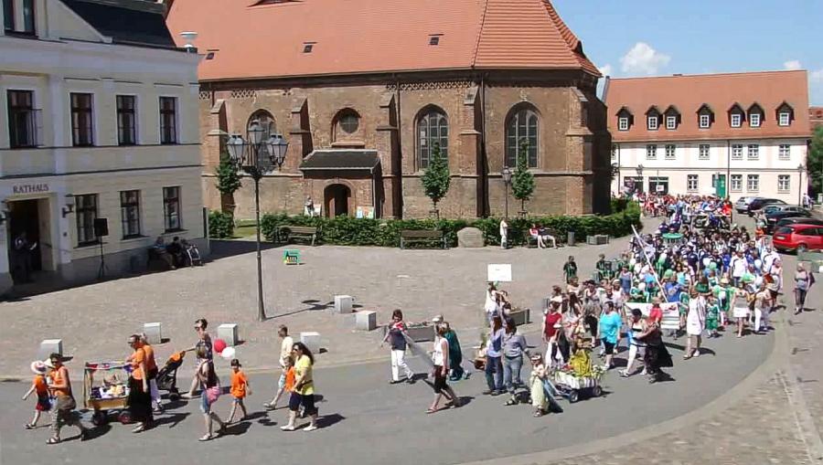 "Festumzug am 4. Juni 2016 - ""Spatzenschule"""
