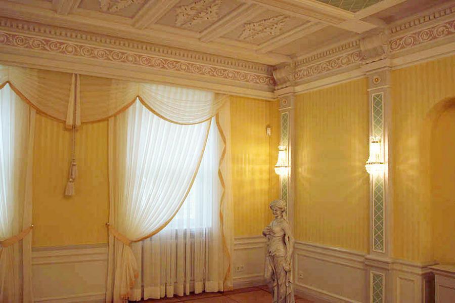 Wandverkleidungen, Pilaster und Deckenfriese nach Vorgabe